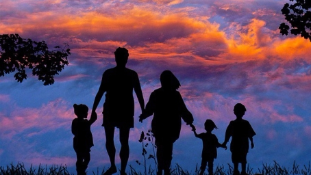 family-1517192_640